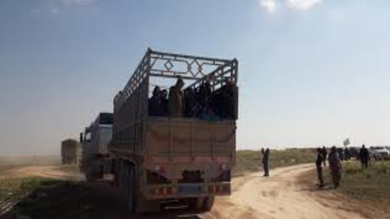 Photo of قسد تسلم 29 داعشياً كانوا موقوفين لديها للسلطات الجزائرية