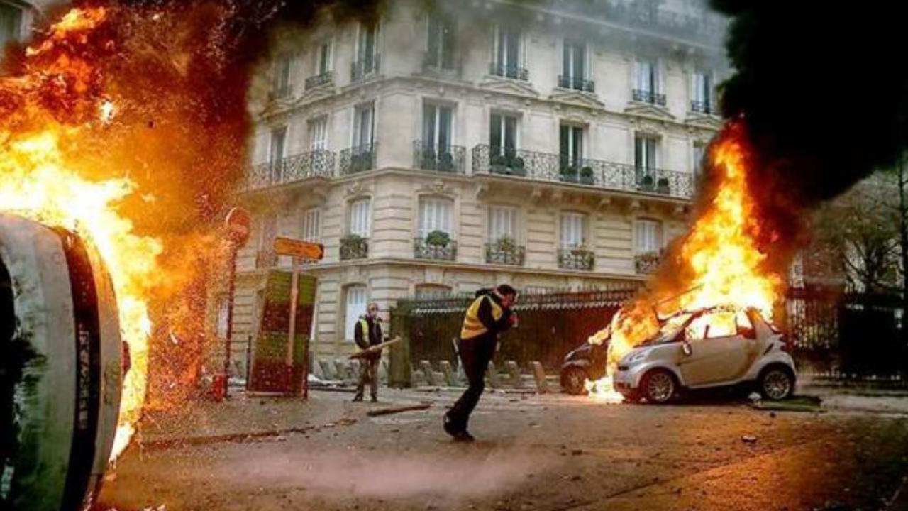 Photo of انفجار ضخم يهز مبنى في العاصمة الفرنسية باريس