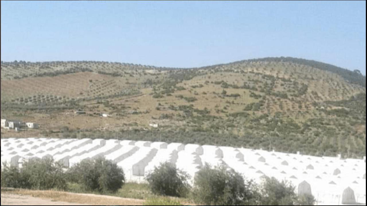 Photo of تركيا تقيم مخيمات استيطانية جديدة وبوادر سيناريو شبيه بحلب في إدلب