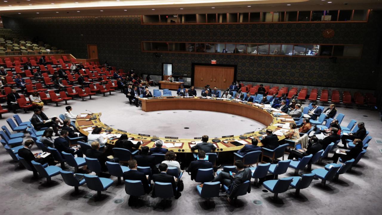 """Photo of روسيا تمنع مجلس الأمن من إصدار بيان """"غير متزن"""" حول إدلب"""