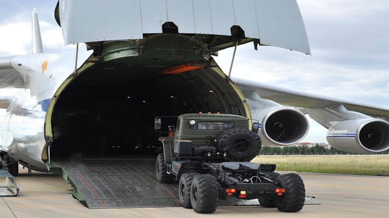 Photo of حلف شمال الأطلسي يعبر عن قلقه إزاء بدء تسلم تركيا للمنظومة الروسية