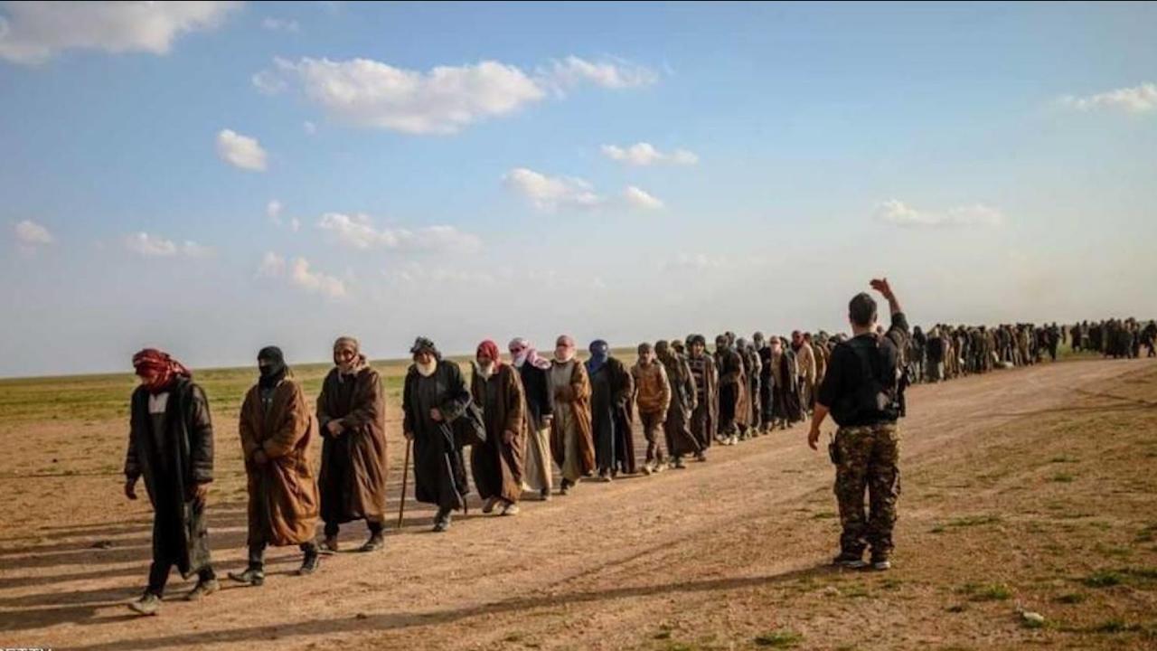 Photo of تشكيل لجنة لمناقشة محاكمة محتجزي داعش في شمال وشرق سوريا