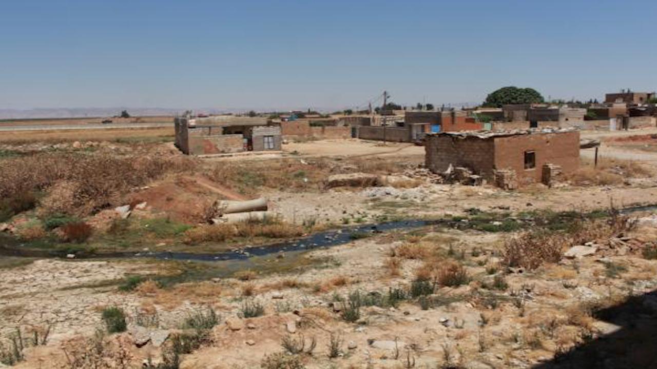 Photo of الاحتلال التركي يطلق النار على عمال حاولوا صيانة شبكة الصرف الصحي في درباسية