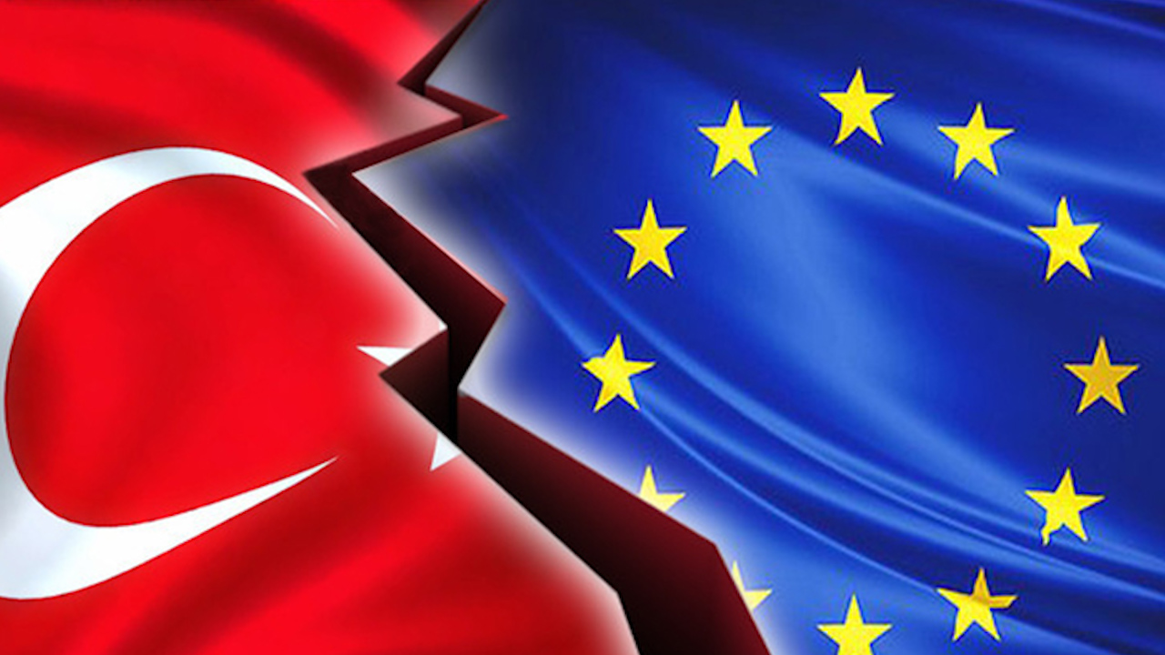 Photo of الاتحاد الأوروبي يُقرّ عقوبات جديدة على تركيا على خلفية تنقيبها عن الغاز قبالة قبرص