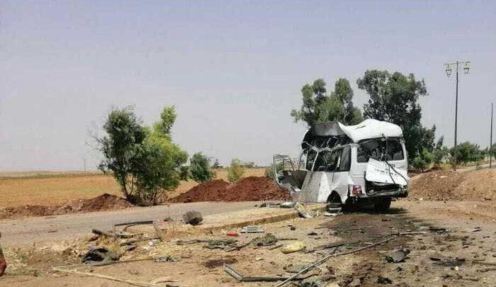Photo of قتلى وجرحى بصفوف عناصر النظام جراء انفجار عبوة ناسفة بحافلة مبيت في درعا