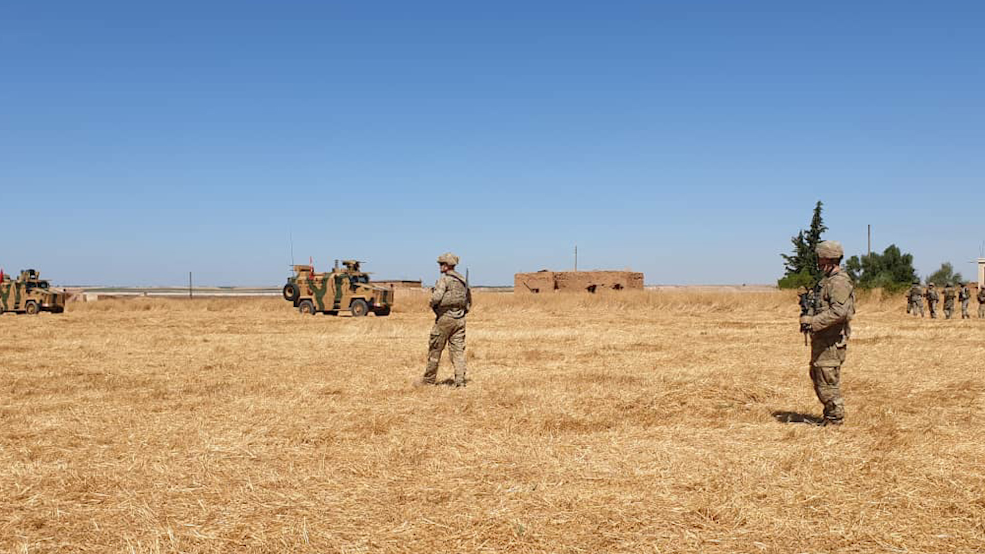 Photo of تسيير دوريات مراقبة أمريكية تركية على الحدود مع كري سبي / تل ابيض