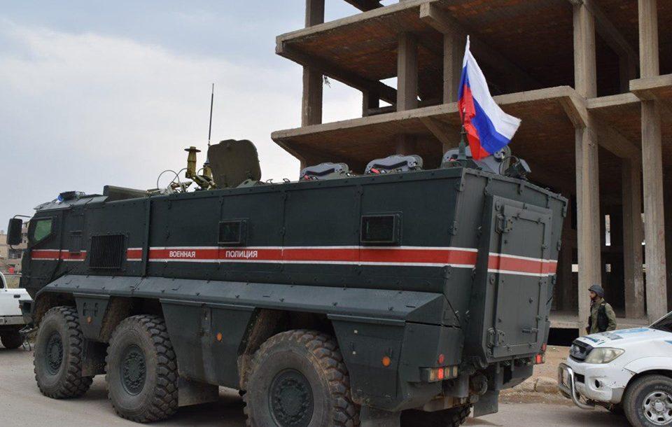 Photo of جيش الاحتلال التركي يقصف دورية روسية ويصيب جنديين وإعلاميين