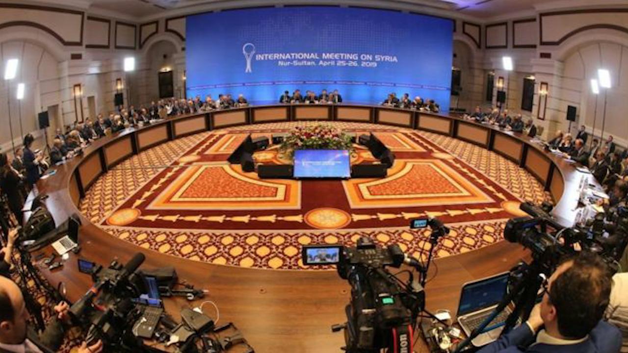 Photo of انطلاق الاجتماع الأول للجنة الدستورية في جنيف وسط غياب ممثلين عن قسد