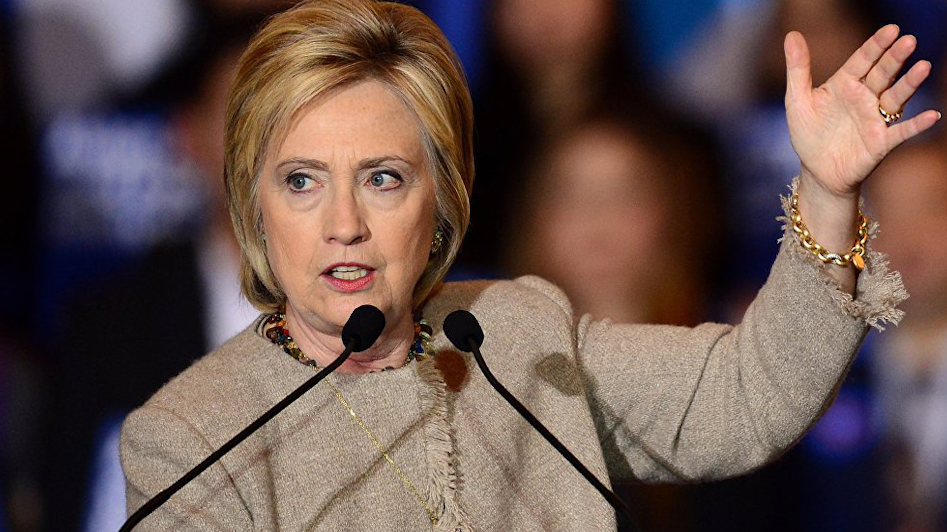 "Photo of هيلاري كلينتون تطالب بحماية الكرد ""الناجحين في الحرب ضدّ داعش"""