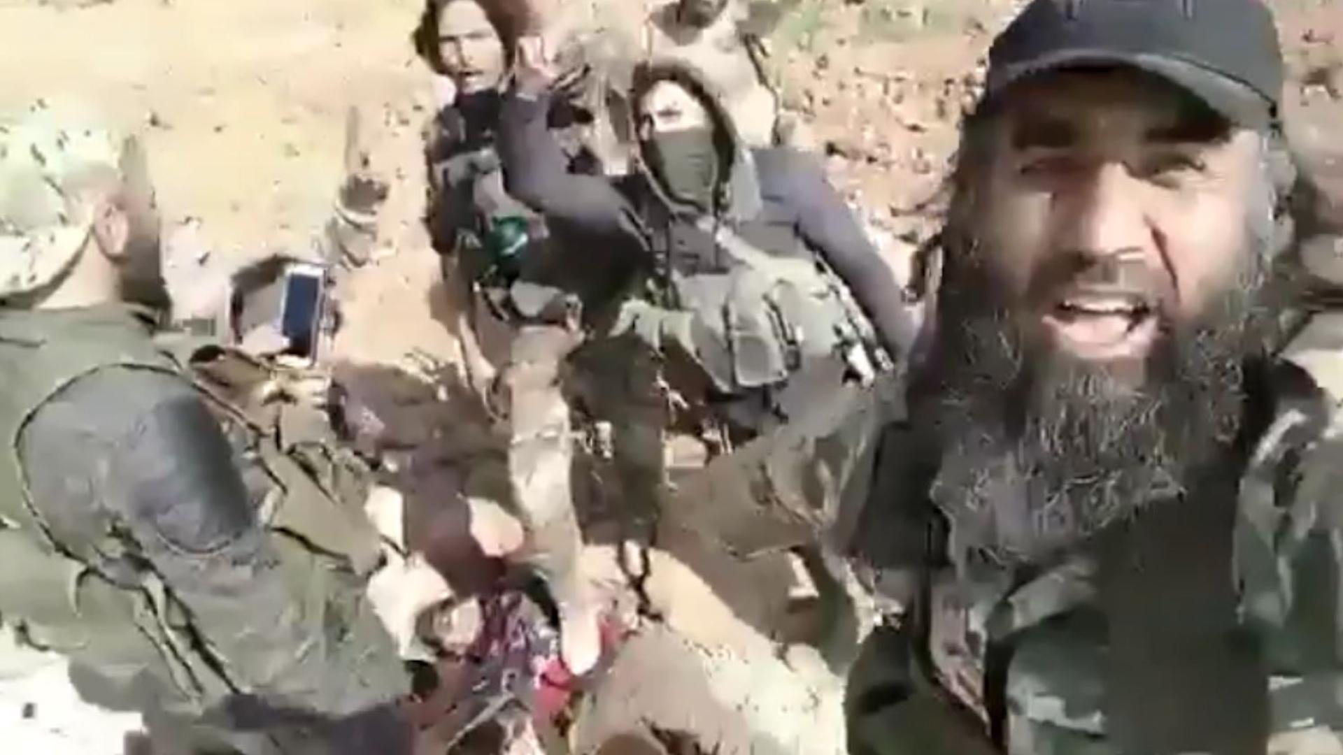 Photo of بالأمس بارين كوباني واليوم المرتزقة يمثلون بجثمان مقاتلة أخرى