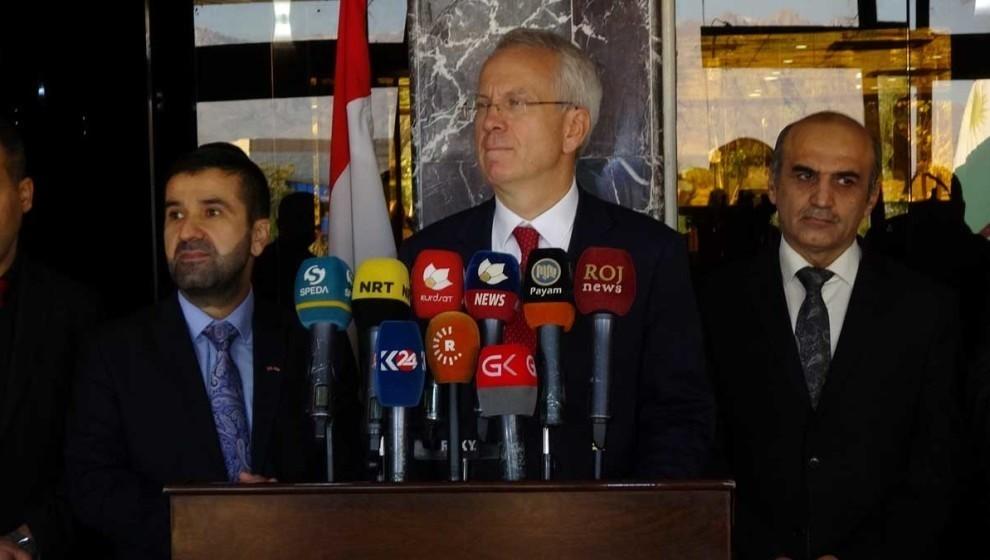 Photo of القنصل البريطاني يستنكر استخدام تركيا للغازات السامة في سوريا