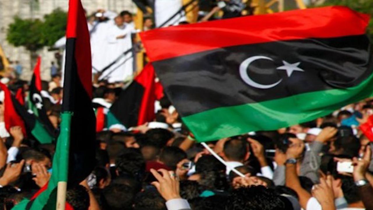 صورة استعدادات جماهيرية للخروج بمظاهرات عارمة رداً على تدخلات أردوغان في ليبيا