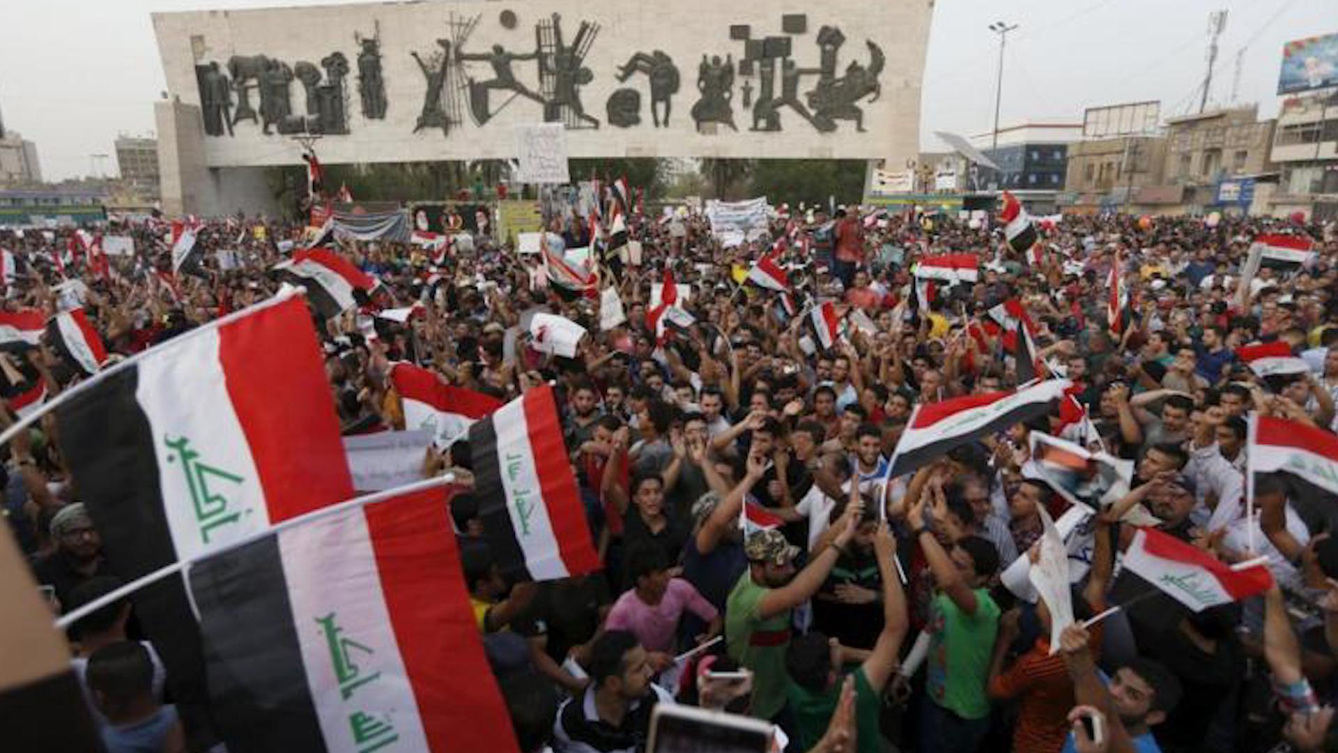 Photo of المتظاهرون يصدرون جملة من المهام الواجب تنفيذها من قبل أي رئيس مجلس وزراء مؤقت