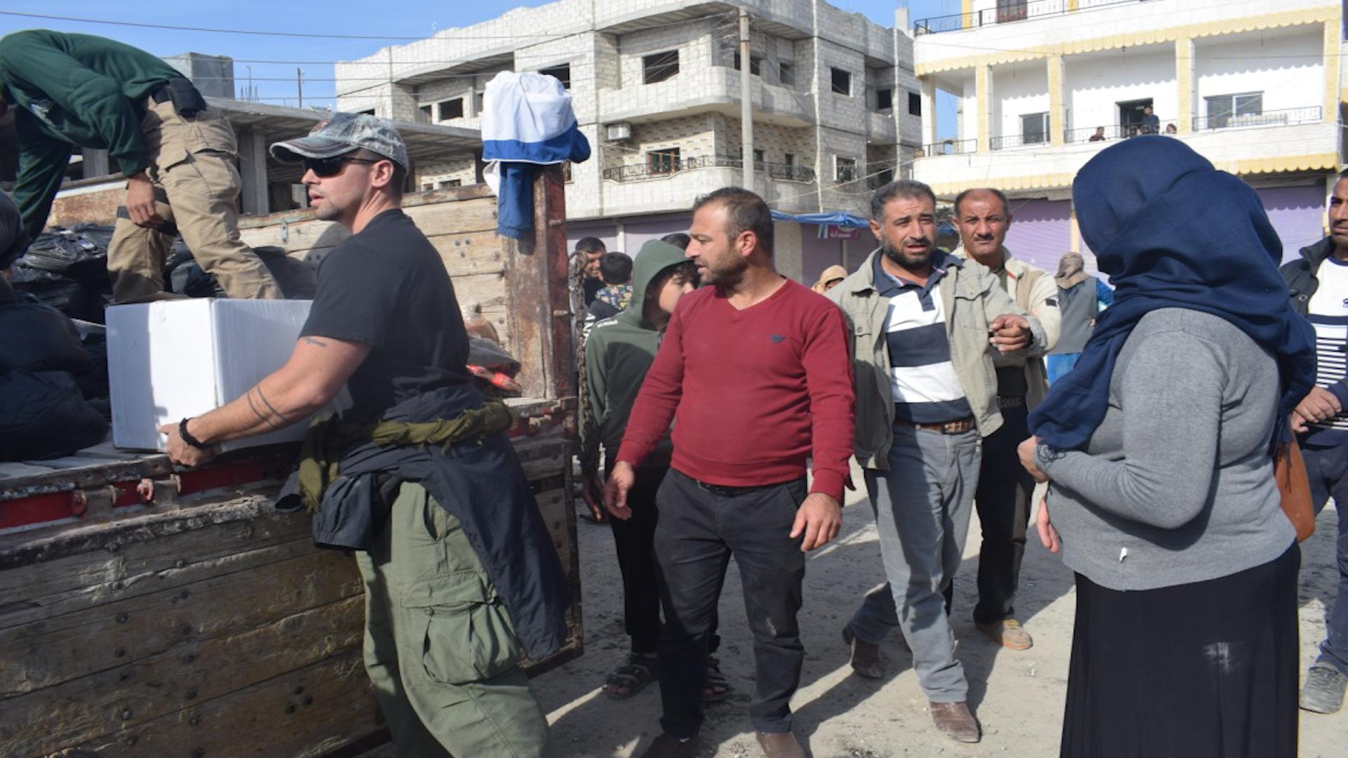 Photo of نحو 1050 عائلة نازحة في كوباني والإدارة الذّاتيّة تبذل قصارى جهدها لمساعدتهم
