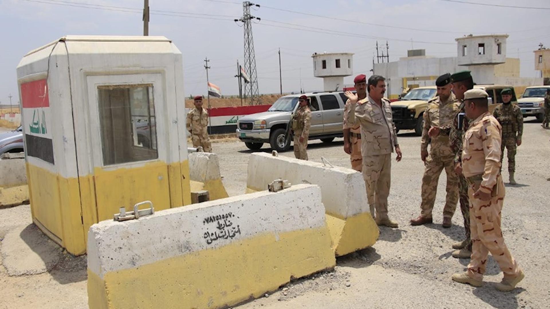Photo of العراق..مقتل جنديين في هجوم لداعش على نقطة تفتيش