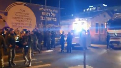 Photo of إصابة 14 جنديا إسرائيلياً بعملية دهس بالقدس.. وفرار المنفّذ
