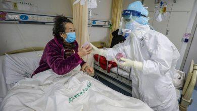 صورة حصيلة الوفيات جراء وباء كورونا في الصين تتخطى ألفي شخص