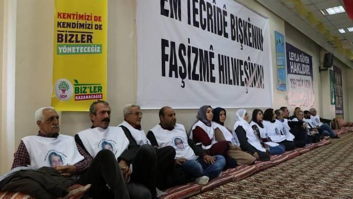 Photo of LI AMED Û COLEMÊRGÊ RÊVEBERÊN HDP Û DBP'Ê HATIN BINÇAVKIRIN