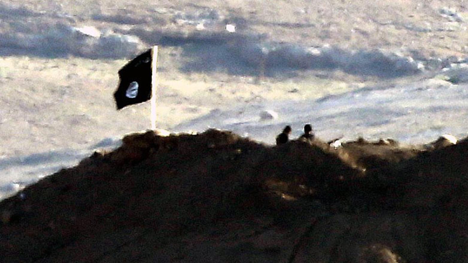 Photo of GELO HUKÛMETA MERKEL WÊ DAIŞ'YÊ LÊ DIGERE JI YPG'Ê BIXWAZE?