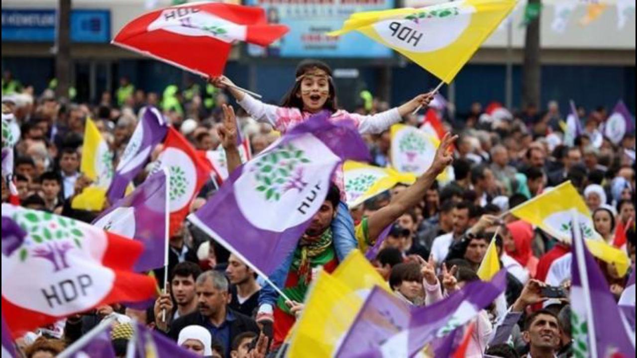 Photo of HDP'Ê WÊ JI BO ŞAREDARIYA BAJARÊ STENBOLÊ NAMZETÊN XWE DIYAR BIKE