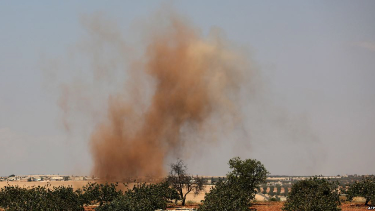 Photo of LI GUNDEWARÊ IDLIB Û HEMAYÊ BOMBEBARAN DIJWAR E, 12 SIVÎLAN JIYANA XWE JI DEST DA