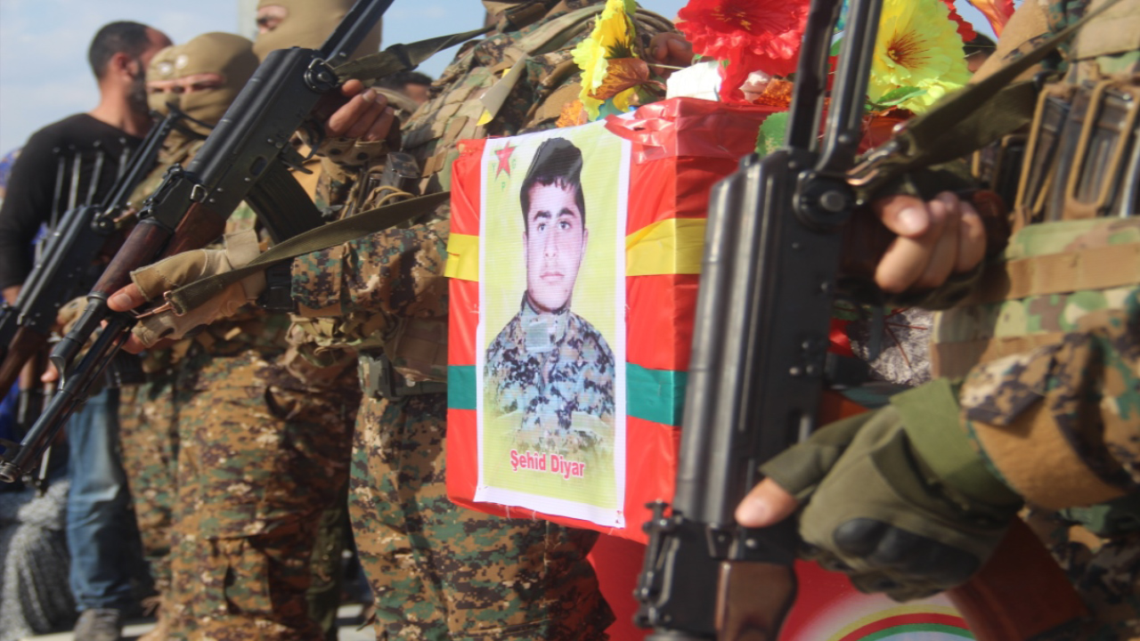 Photo of ŞERVANÊ YPG'Ê DIYAR XELÎL LI KOBANÊ JI ALIYÊ SEDAN VE HATE OXIRKIRIN