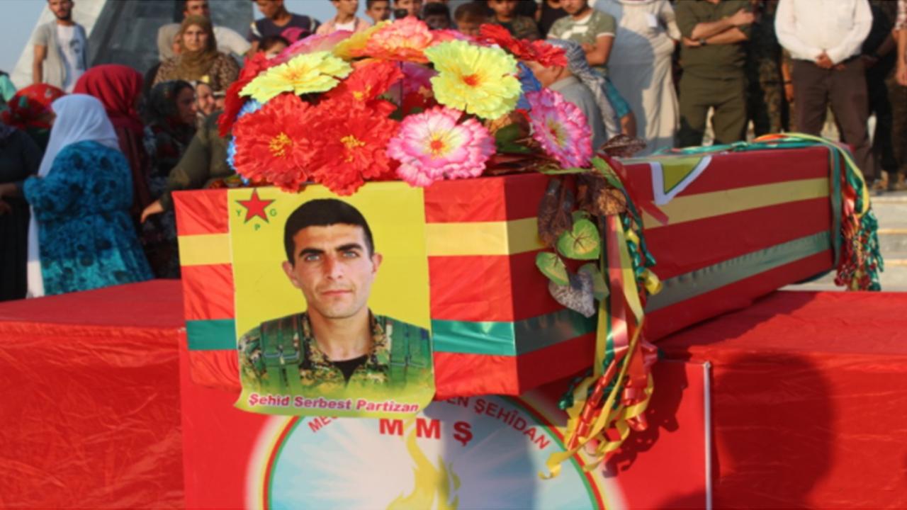 Photo of ŞERVANÊ YPG'Ê SERBEST PARTÎZAN LI KOBANÊ HAT OXIRKIRIN