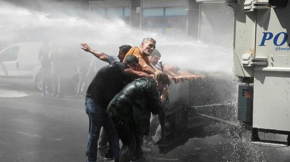 Photo of LI EWROPA 34 SAZIYAN LI DIJÎ QEYÛMAN BANGA TÊKOŞÎNÊ KIRIN