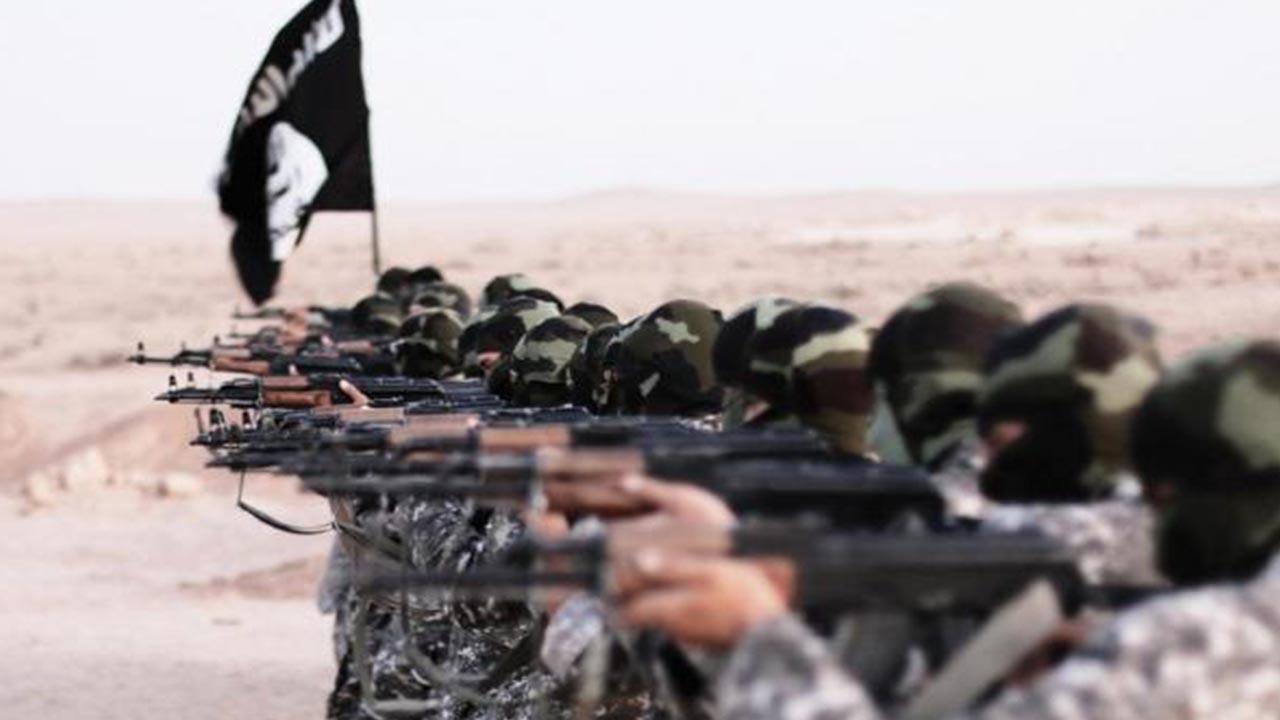Photo of PISPORÊN NETEWÊN YEKBÛYÎ: DAIŞ DIXWAZE XWE JI NÛ VE LI IRAQ Û SÛRIYÊ ZINDÎ BIKE