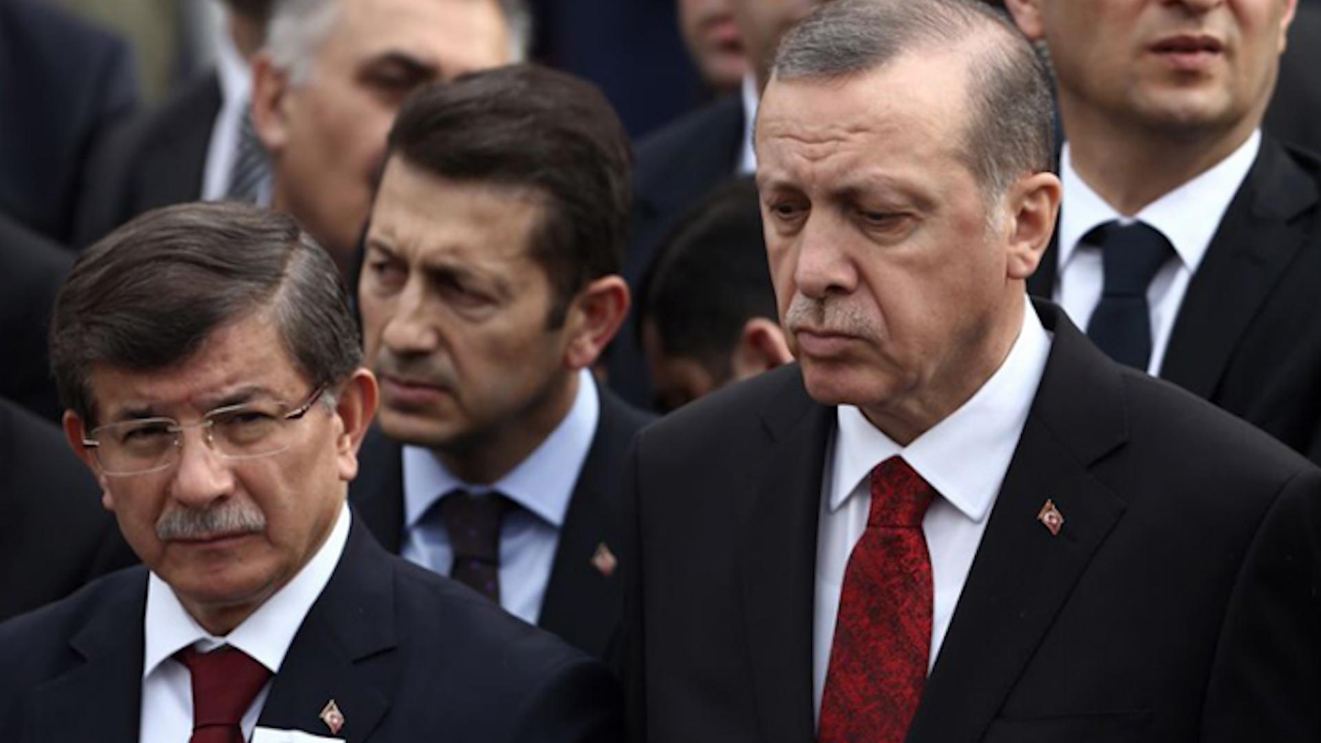 Photo of Reuters: di nava salekê de nêzî yek milyon kes ji AKP'ê istifa kirine