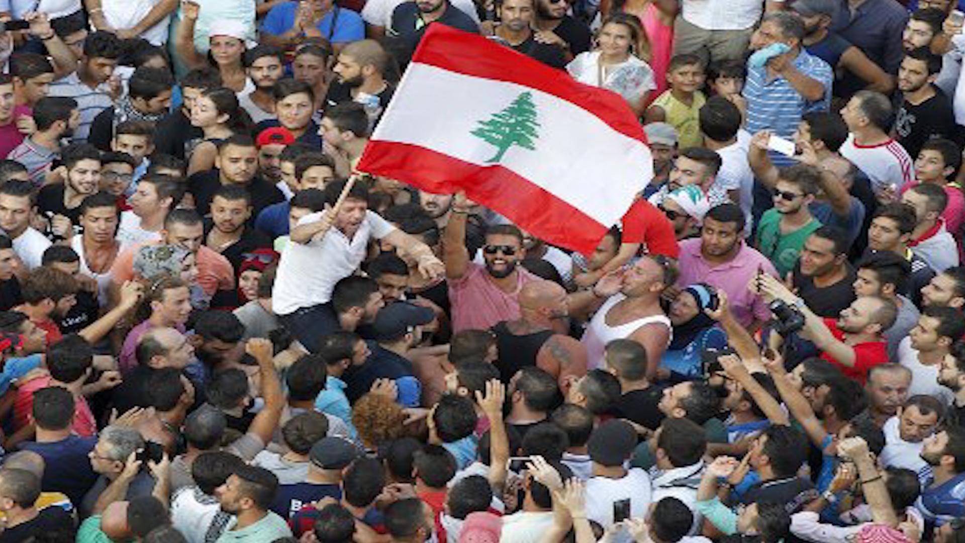 """Photo of Libnan.. bi silogana """"şoreş e..şoreş e"""" welatî daketin qadan"""