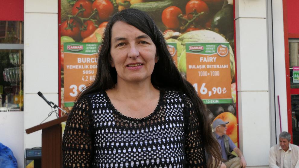 Photo of Parlamentera Alman Kirsten: Kurd li vîna xwe xwedî derdikevin