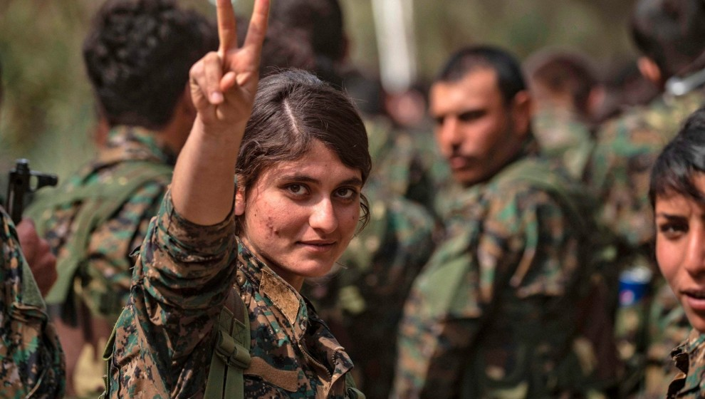Photo of Bi dehan ciwanên Başûrê Kurdistanê ji bo tevlê berxwedanê bibin, derbasî Rojava bûn