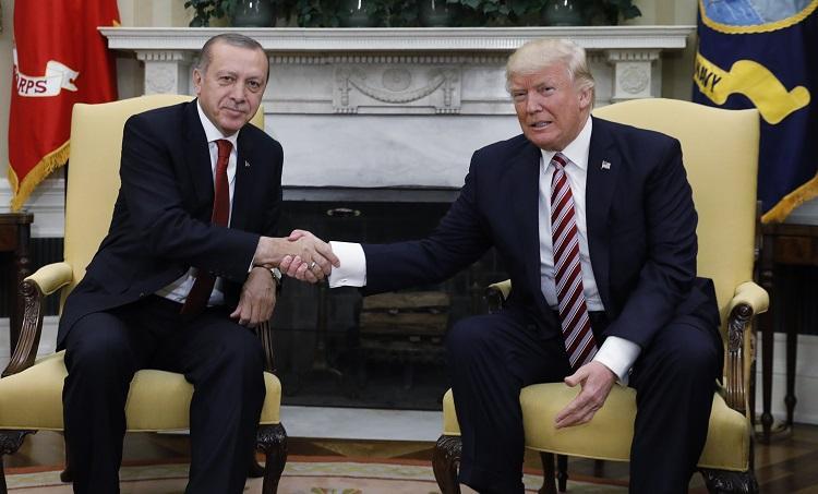 Photo of Trump: Hêzên me wê ji bo parastina petrolê li herêmê bimînin
