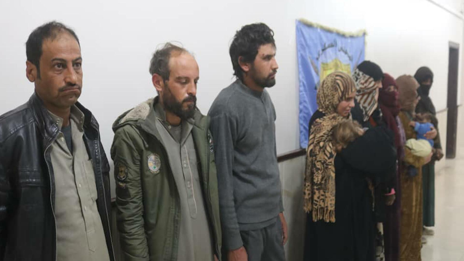 Photo of Meclisa leşkerî ya Minbicê:Me şaneya ku Daiş'î ji kampa holê direvandin girt
