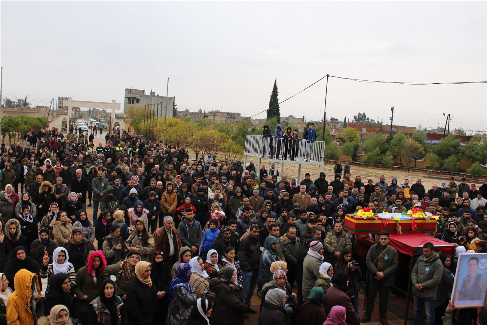 Photo of Cangoriyê Azadiyê Namis Selman El-Nehîr ji aliyê şêniyên Qamişlo hat oxir kirin
