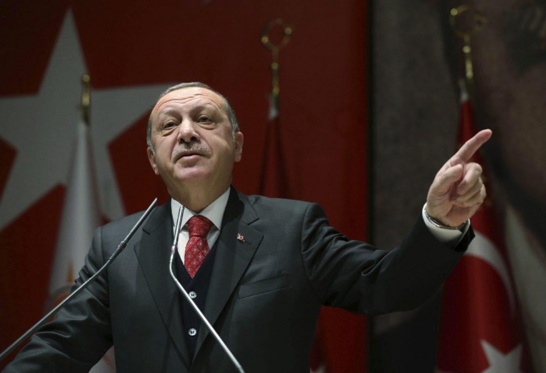 Photo of Erdogan lihevkirina şandina hêzên Tirkî ji bo Lîbyayê îmze kir