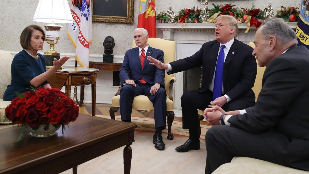 Photo of Seroka Senatoya Emerîkî: Trump gefek dayîmî ye, divê ji erkê xwe rabe