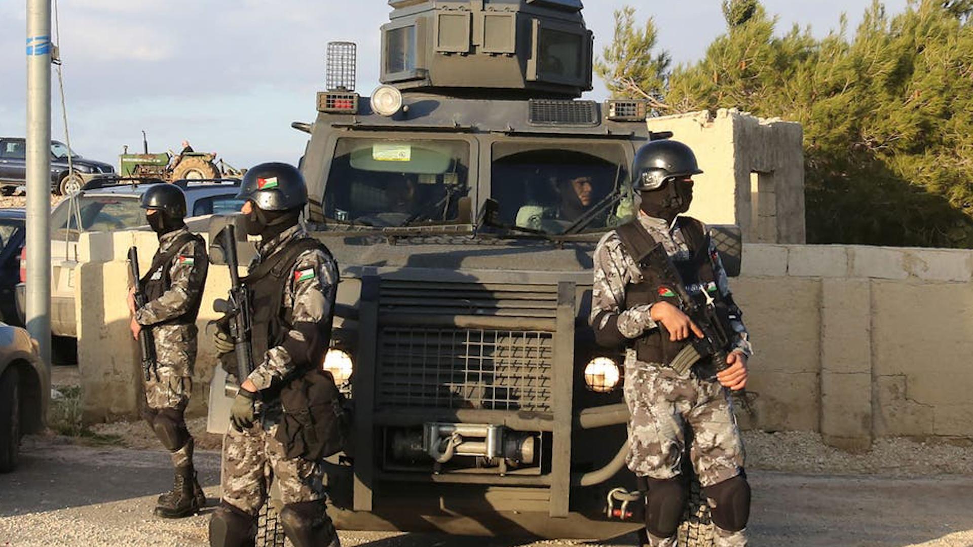 Photo of Dadgeha ewlehiya Urdinê li 24 DAIŞ'iyên Urdinî 15 sal ceza birî