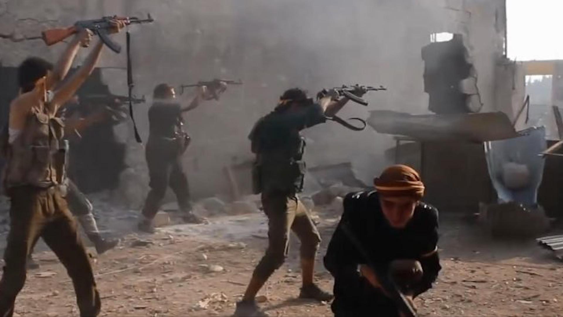 Photo of Hêzên hikûmeta Şamê û çeteyên Tirkiyê li başûrê Idlibê şer dikin