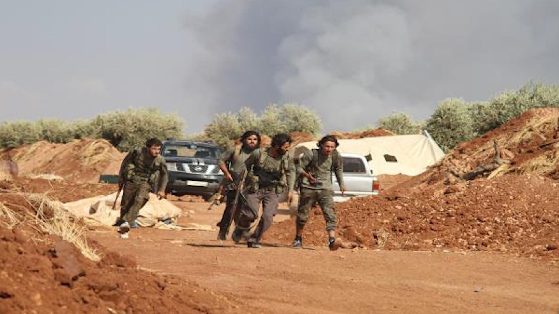 Photo of Çavdêriya Sûrî: Şerekî dijwar li derdora Mearet El-Numan rû dide