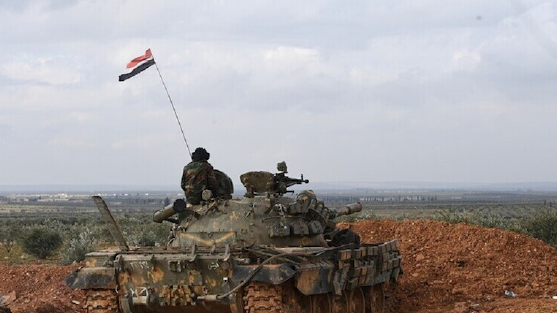 Photo of Çavdêriya Sûrî: DAIŞ'ê êrîşî nuqteyên rejîmê yên li Dêra Zorê kirin