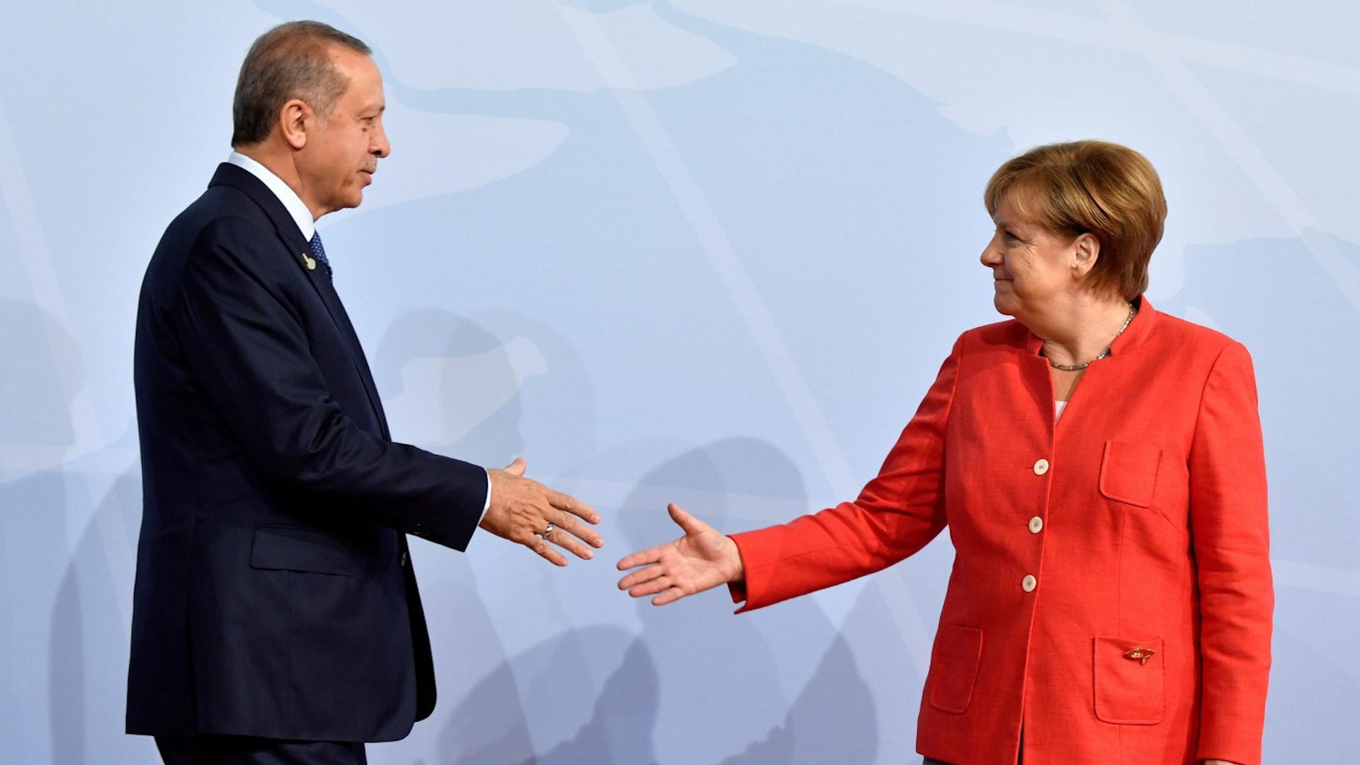 Photo of Merkel ji bo peymana koçberên Sûrî wê serdana Tirkiyê bike