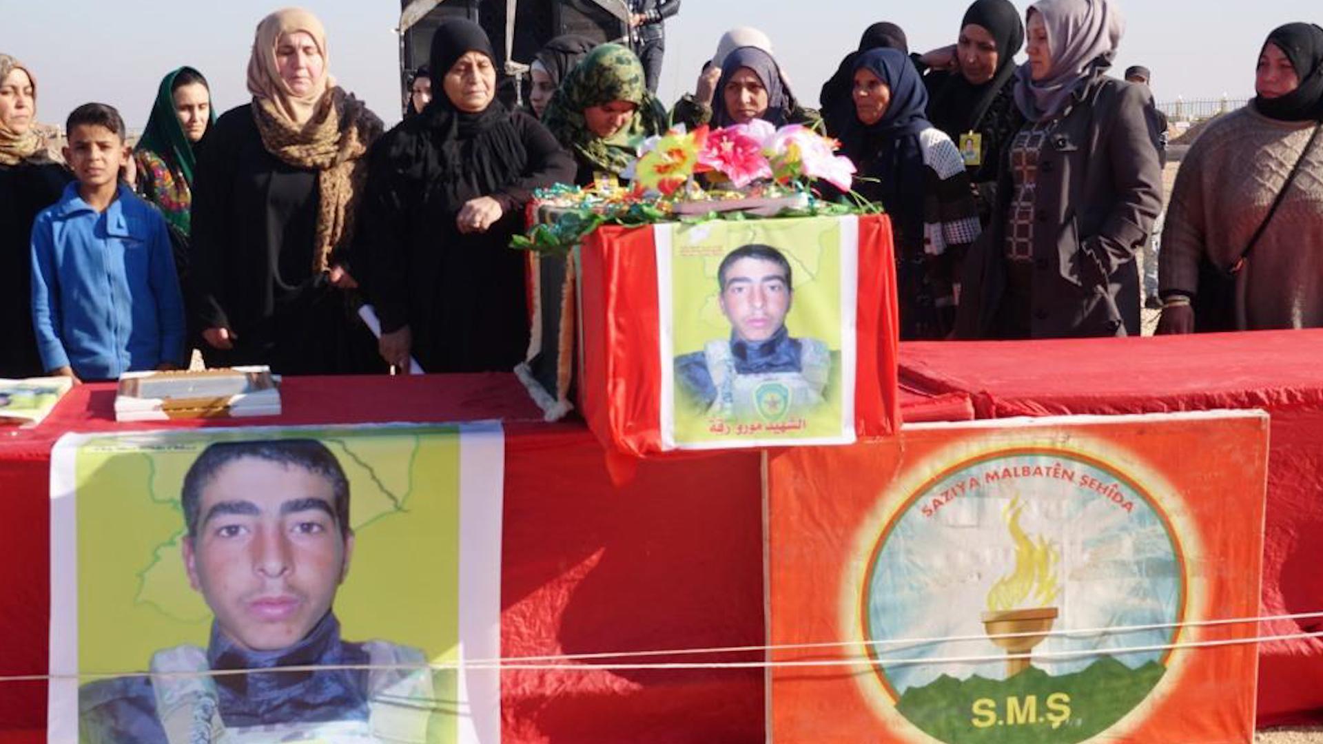 Photo of Şervanê QSD'ê Ebdulezîz Mehmûd li Reqayê ji aliyê sedan kesî ve hat oxirkirin