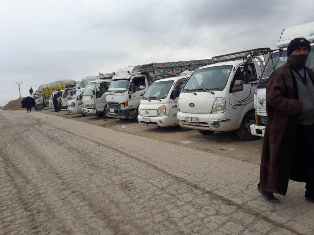 Photo of Kampa Holê Rêveberiya kampê 330 koçberên din ji kampê derxistin