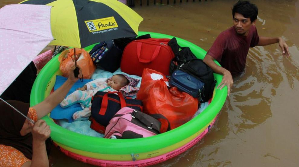 Photo of Li Endonezyayê lehî herî kêm 43 kesan jiyana xwe ji dest da
