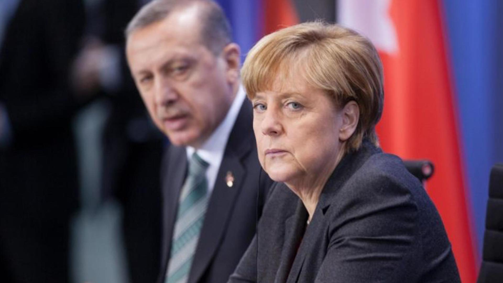 Photo of Merkel wê ji Erdogan daxwaze 'hûrmeta li hiqûqê' bike