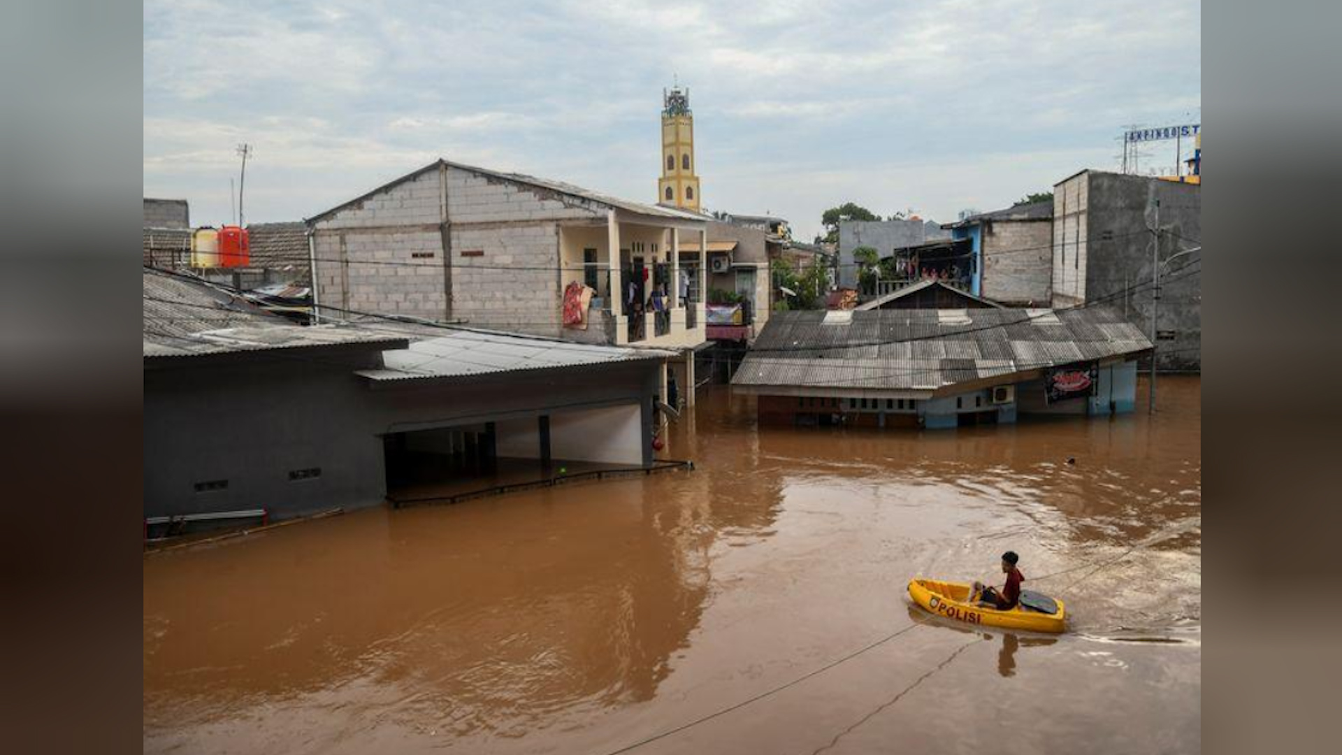 Photo of Li Endonezyayê lehî rabû 21 kesan jiyana xwe ji dest da
