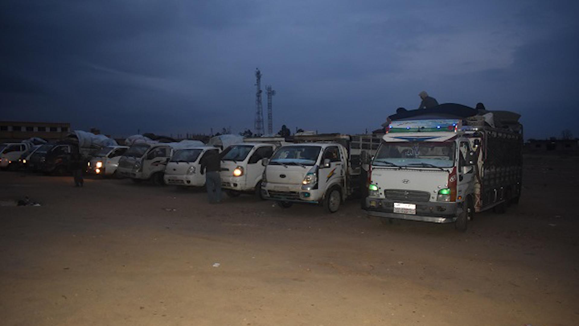 Photo of Rêveberiya kampa Holê 385 kesên din ji kampê derxistin û şandin malên wan