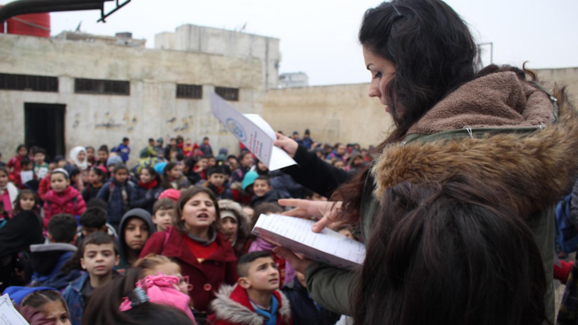 Photo of Li Şêxmeqsûd û Eşrefiê karname li 15 hezar û 500 Xwendekarî hatin belavkirin
